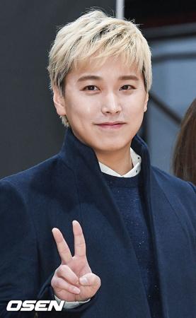 韓国ボーイズグループ「SUPER JUNIOR」メンバーのソンミンが、今回のグループでのアルバム活動から抜けると発表した。(提供:OSEN)