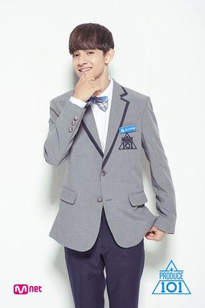 韓国Mnetの国民的ボーイズグループ育成番組「プロデュース101」に出演していたサムエルが、8月にアルバム発売を控えている中、ラッパーのCHANGMOがフィーチャリングで参加することが決まった。(提供:OSEN)