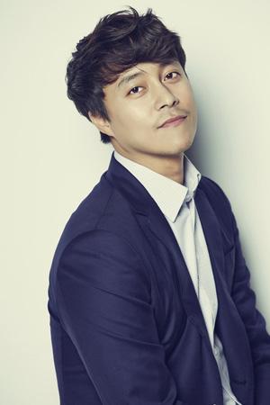 韓国俳優チェ・デチョル(38)がクロスプラットフォームドラマ「メロホリック」に出演する。(提供:news1)