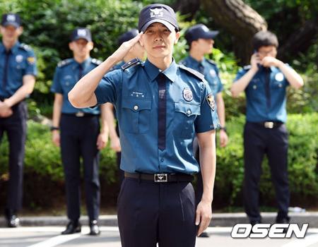 韓国ボーイズグループ「SUPER JUNIOR」メンバーのドンヘが、除隊の感想を直筆で手紙にした。(提供:OSEN)