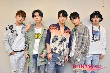 「MYNAME」左からセヨン、ジュンQ、インス、チェジン、コヌ