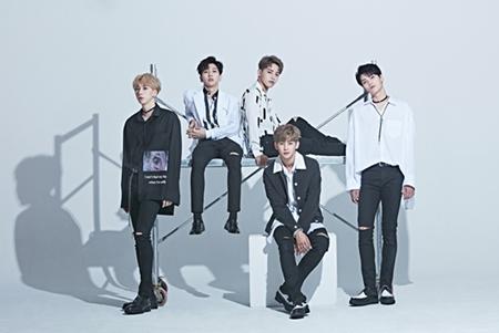 韓国ボーイズグループ「HOTSHOT」が、15日に放送されるMBCの音楽番組「音楽中心」に出演し、2年ぶりに国内で活動をする。(提供:OSEN)