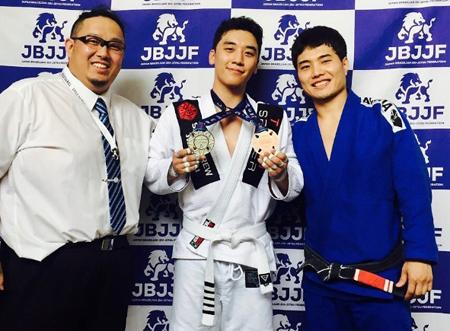 韓国ボーイズグループ「BIGBANG」メンバーのV.Iが、柔術大会でメダルを獲得した。(提供:OSEN)