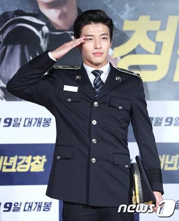 韓国俳優カン・ハヌル(27)が来る9月11日に入隊する。