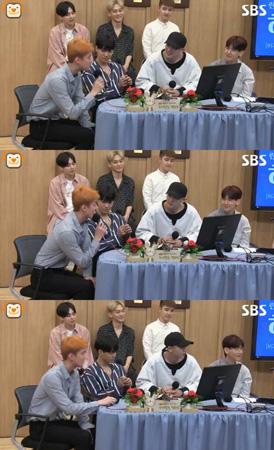 韓国アイドルグループ「EXO」SEHUN(セフン、23)が俳優シン・ハギュン(43)との親交を打ち明けた。(提供:OSEN)