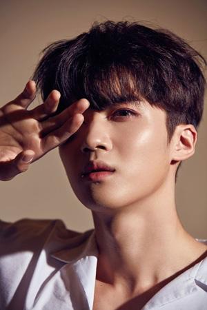 韓国アイドルグループ「PENTAGON」イェンアンが負傷を乗り越え、活動を再開することがわかった。(提供:OSEN)