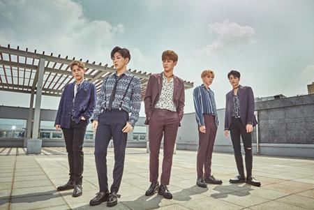 「Wanna One」ハ・ソンウン、「HOTSHOT」カムバックに応援メッセージ! (提供:news1)