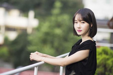 「軍艦島」出演のイ・ジョンヒョン、「ソン・ジュンギ-ソン・ヘギョの結婚、知っていた」