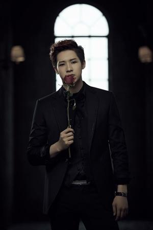韓国アイドルグループ「B1A4」シヌゥ(26)がミュージカル「ハムレット」を終えた心境を伝えた。(提供:OSEN)