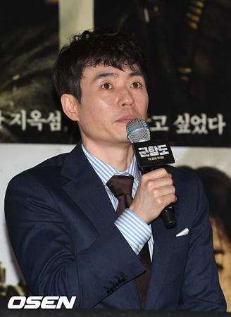 韓国俳優ソン・ジュンギ、ソ・ジソブらが出演する映画「軍艦島」の演出をしたリュ・スンワン監督が、最近の日本での一部メディアによる偏った報道に対して立場を表明した。(提供:OSEN)