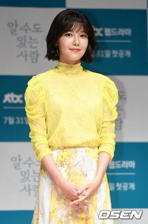 韓国女優スヨン(27、少女時代)がウェブドラマ「知るかもしれない人」で死んだ恋人を懐かしむキャラクターを演じた心境を明かした。