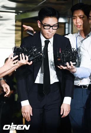 韓国の人気グループ「BIGBANG」T.O.P(29)の義務警察としての資格がはく奪された。