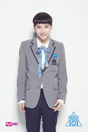 韓国Mnetのサバイバルオーディション番組「プロデュース101」シーズン2に出演していたキム・ヨンジンが、緑内障にかかったことを明かした。(提供:OSEN)