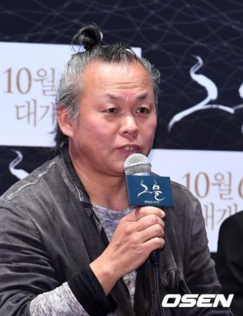 キム・ギドク監督(56)側が韓国映画「メビウス」の撮影中に女優A氏に暴行し、ベッドシーン撮影などを強要したとする報道について、公式立場を明かした。
