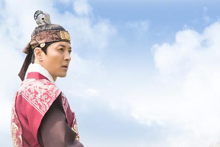 俳優イ・ドンゴン、ドラマ「7日の王妃」終演の心境明かす 「忘れられない記憶」(提供:news1)