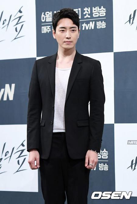 俳優イ・ジュンヒョク、JTBC2部作「ひと夏の思い出」出演を確定