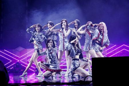 「少女時代」が5日、ソウル・オリンピック公園オリンピックホールで、10周年記念ファンミーティングを開催した。(提供:OSEN)