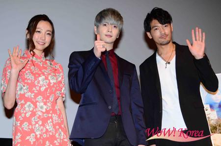 左から女優ちすん、「超新星」ソンジェ、俳優の武田裕也