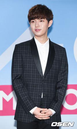 韓国アイドルグループ「Wanna One」のメンバーでMnet「プロデュース101(PRODUCE 101) シーズン2」当時、個人練習生(事務所無所属)で注目を浴びたキム・ジェファン(21)がCJ E&Mと専属契約を結んだ。