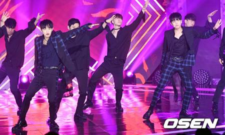 韓国Mnetのオーディション番組「プロデュース101(PRODUCE 101)」シーズン2に出演したヨングク&シヒョンに対する悪質な書き込みをした人に善処なく強硬対応をすることを明らかにした。(提供:OSEN)