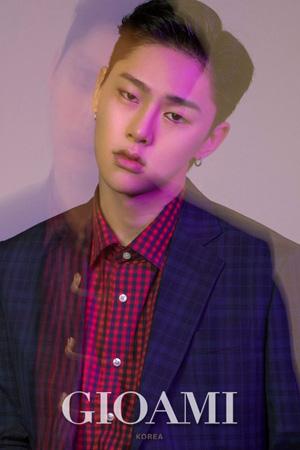 Mnet「プロデュース101(PRODUCE 101) シーズン2」出演のクォン・ヒョンビン(20)がGIOAMI KOREAとの画報撮影をおこなった。(提供:OSEN)