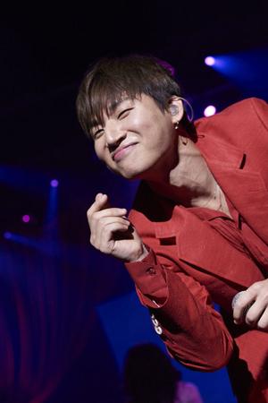 韓国ボーイズグループ「BIGBANG」メンバーのD-LITE(28)が、華やかに日本ソロツアーの幕を開けた。(提供:OSEN)