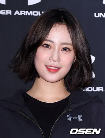 """韓国ガールズグループ「KARA」の元メンバー、ホ・ヨンジ(22)が、ソロデビューすることが伝えられた。作詞・作曲はもちろん制作全般に参加し、""""ヨンジらしい""""アルバムを出す予定だという。(提供:OSEN)"""