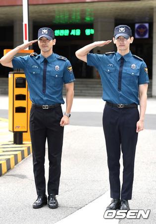 韓国の人気グループ「東方神起」チャンミン(29)と「SUPER JUNIOR」チェ・シウォン(30)がそろって軍服務を終えた。