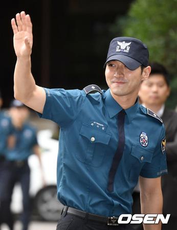 「SUPER JUNIOR」チェ・シウォン、除隊!  SJ新作準備&ドラマ復帰で活動再開の見通し