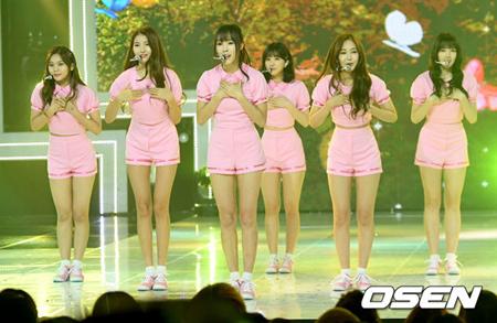 韓国ガールズグループ「GFRIEND」が、会食をしたいと番組で明かした。(提供:OSEN)