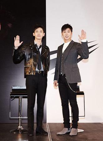 韓国の人気グループ「東方神起」が香港記者会見も成功裏に終了し、2年ぶりの活動再開を知らせた。(提供:OSEN)