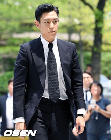 韓国の人気グループ「BIGBANG」T.O.P(29)との大麻吸煙容疑で起訴された元練習生ハン・ソヒが「最初に大麻を勧めたのはあっち(T.O.P)だった」と主張した。(提供:OSEN)