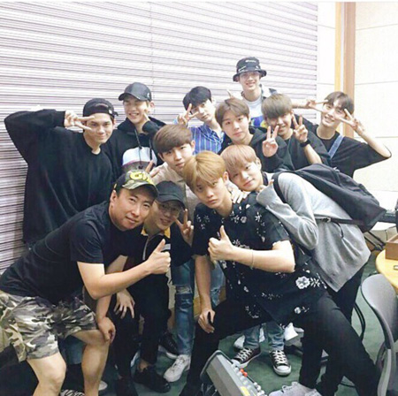 「Wanna One」パク・ジフン、「グループ内でルックス順位は3位」(提供:news1)