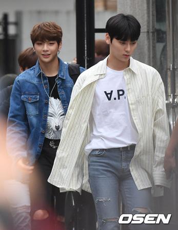 韓国アイドルグループ「Wanna One」が音楽番組「ミュージックバンク」の出勤フォトウォールに立てなかった。