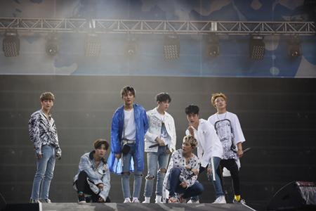 「iKON」、 2年連続出演となる国内最大級フェス「a-nation」で4万5,000人熱狂! (オフィシャル)
