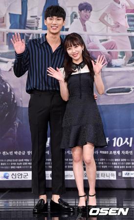 「病院船」のキム・インシクが「AOA」クォン・ミナと共演する心境を語った。