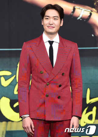 韓国俳優チョン・ギョウンが、交際中である20代の一般女性と結婚することを明らかにした。(提供:news1)
