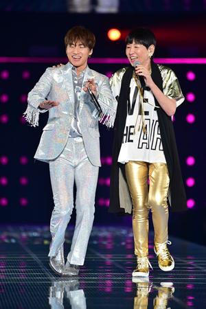 「BIGBANG」D-LITE、 東京ガールズコレクションで和田アキ子とスペシャルコラボ! (オフィシャル)