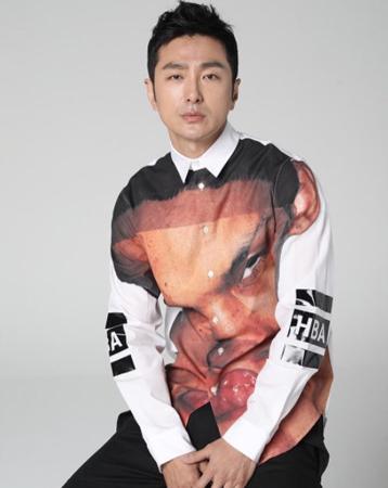 韓国俳優リュ・テジュン(45)が、熱愛報道に対して説明した。(提供:OSEN)