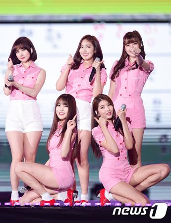 韓国ガールズグループ「GFRIEND」がコンサート会場へ移動中に交通事故に遭った。(提供:news1)
