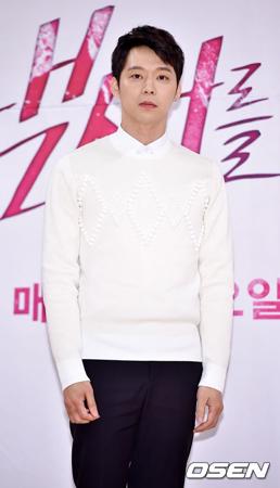 韓国ボーイズグループ「JYJ」メンバーのユチョン(31)が、挙式を延期した。(提供:OSEN)
