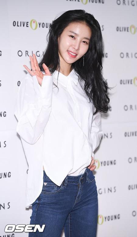 女優キム・ジョンミンの元恋人、「10億ウォン要求は事実…恐喝ではなく示談金」(提供:OSEN)