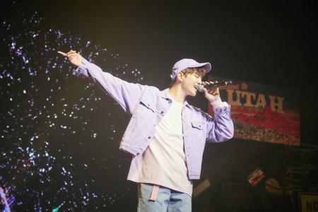 韓国ボーイズグループ「2PM」メンバーのジュノが、韓国国内で初のソロミニアルバム発売を記念したファンイベントを開催し、ファンと意義深い時間を過ごした。(提供:OSEN)