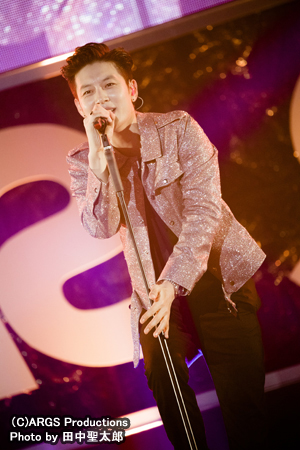 歌手SE7EN