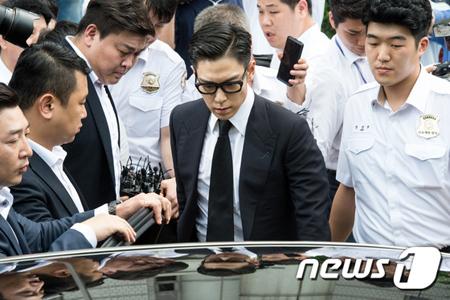 韓国の人気グループ「BIGBANG」T.O.P(29、本名:チェ・スンヒョン)と共に大麻吸煙容疑で起訴された元練習生の女が控訴審でも執行猶予を言い渡された。