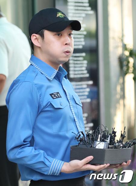 「JYJ」ユチョンに対する虚偽告訴容疑の女性が会見 「身元公開など誹謗中傷が深刻…法的対応を」