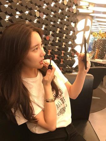 韓国の人気グループ「BIGBANG」T.O.P(29)との大麻吸煙容疑で執行猶予を言い渡されたアイドル練習生ハン・ソヒ(22)がT.O.Pとの交際を言及し、関心を集めている。(提供:news1)