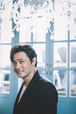 韓国俳優チャン・ドンゴン(45)がKBS2ドラマ「スーツ(SUITS)」の出演を確定し、話題となっている。(提供:OSEN)