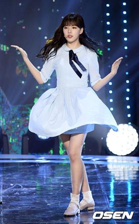 韓国ガールズグループ「GFRIEND」メンバーのイェリンが盲腸炎のため、当分は活動に参加できなくなった。(提供:OSEN)