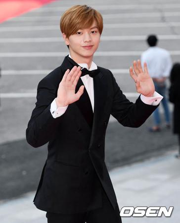 韓国ボーイズグループ「BTOB」メンバーで俳優としても活躍しているユク・ソンジェが、新人賞を受賞した。(提供:OSEN)